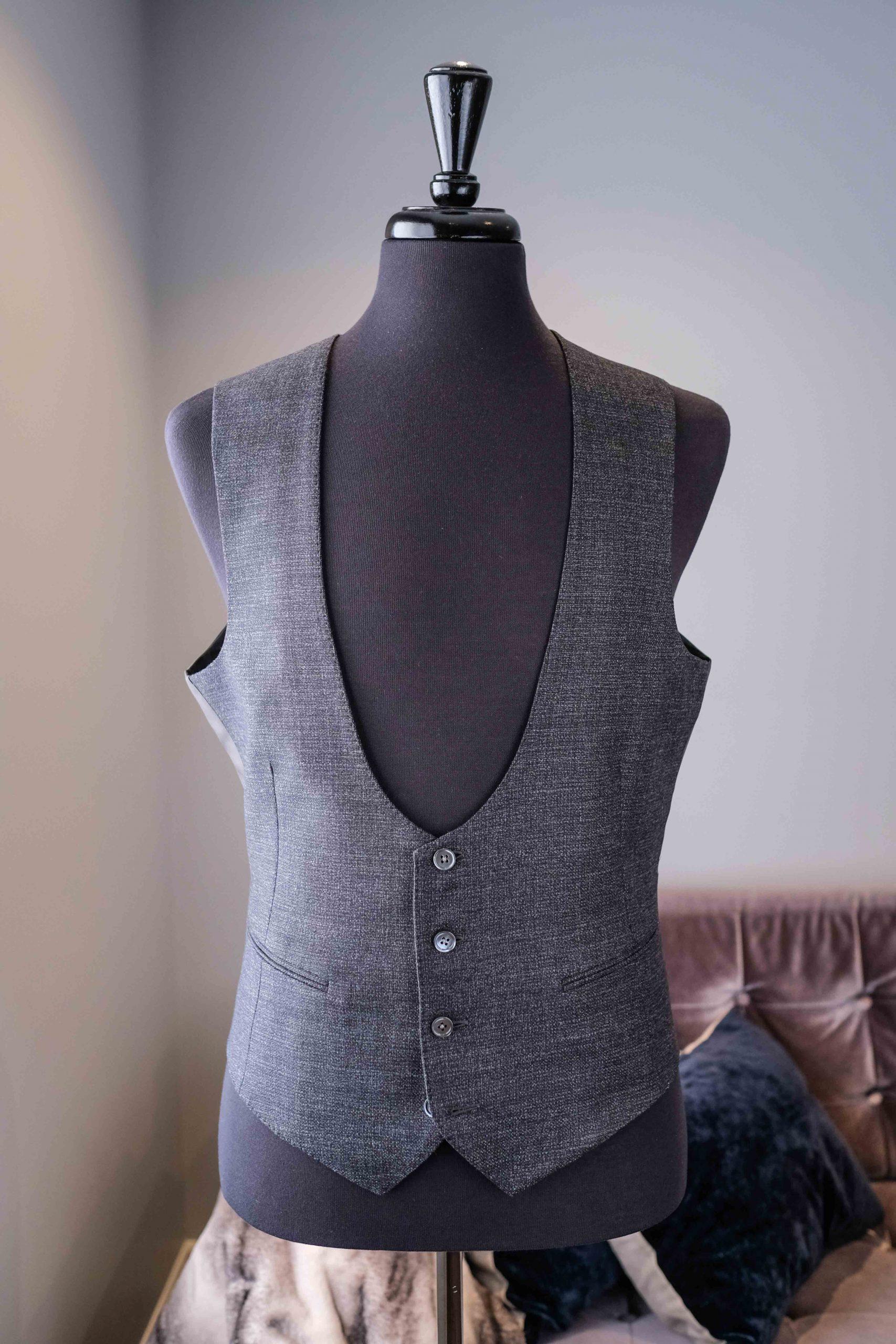 U-shaped Vest 4 button